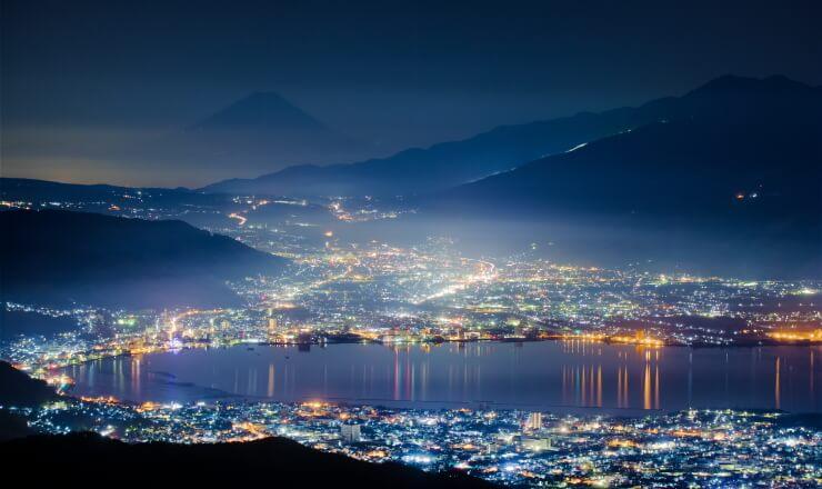 高ボッチ高原から見下ろす諏訪湖の夜景
